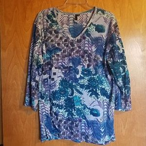 Multi  color  v neck 3/4 sleeve  tunic